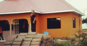 Zile mali za mastaa, mwimbaji Barnaba nae katuonyesha hii ndio nyumba aliyojenga.