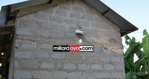 Picha 6 za nyumba anayomiliki na kuishi mwigizaji mzee Small.