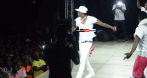 Uliona walichokifanya Nay wa Mitego na Diamond Fiestani Mwanza? video yao ya dakika 4 iko hapa