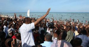 Tofauti kati ya Rais Uhuru Kenyatta na Marais wengine wa Kenya.