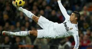 Kiasi cha pesa alichotumia Ronaldo kuwanunulia wachezaji wenzie zawadi ya saa za gharama