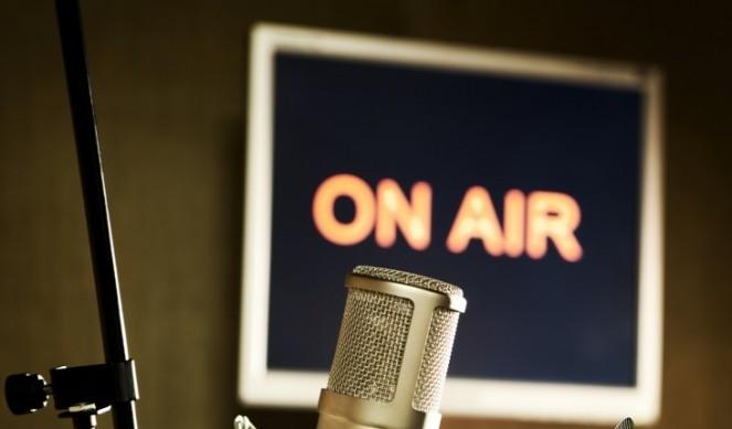 Radio-mic-image-ON-AIR-663×389