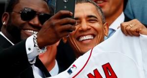 Wale wa Selfie, hii ni mpya kwa ajili yenu watu wangu… Teknolojia imetuletea #Selfiestick
